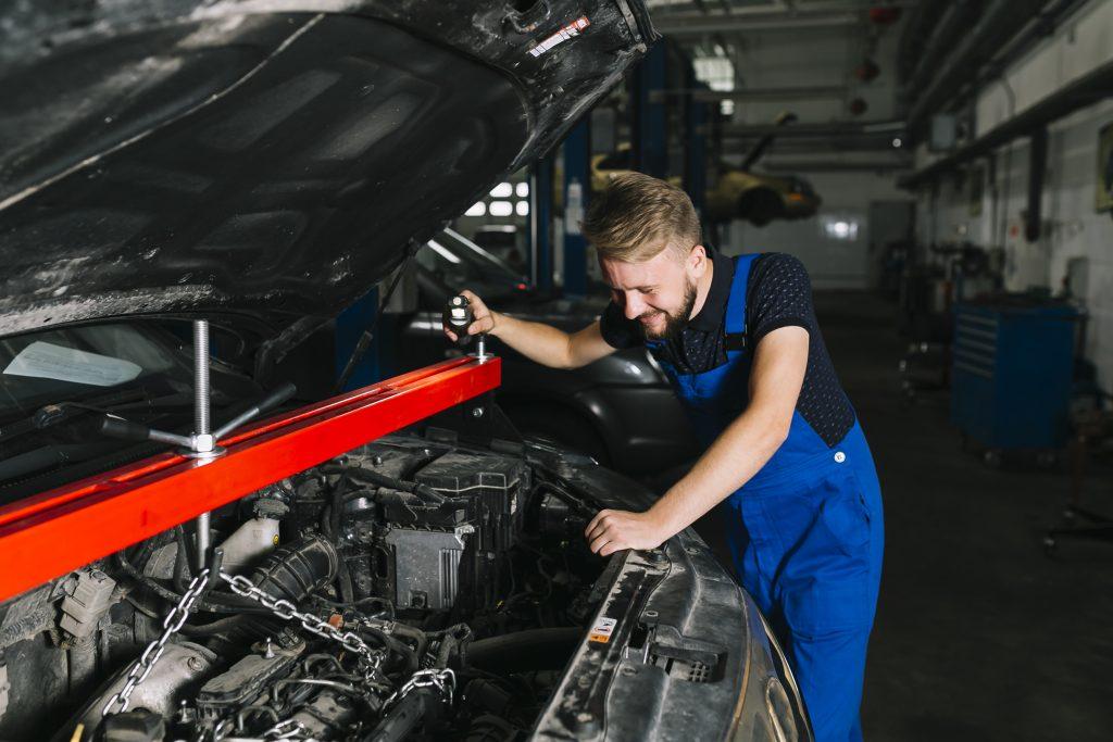 Mecânico - cuidados diários com o veículo